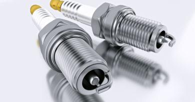 Yamaha EF3000iSB, EF3000iSEB Spark Plug
